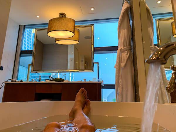 ローズウッド バンコク(Rosewood Bangkok)のバスルーム