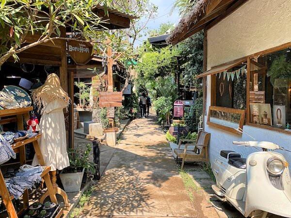 バーンカーンワット(Baan Khang Wat)に連なる古民家