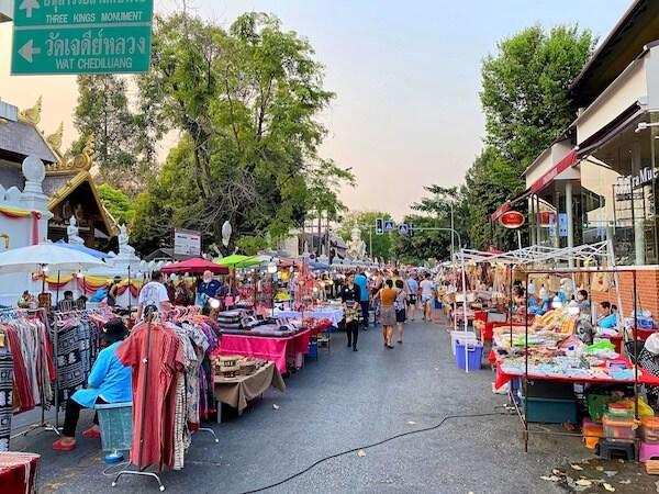 チェンマイのサンデーマーケット(Sunday Market)1