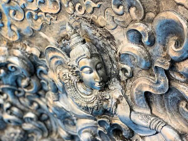 【銀の寺】ワット・シー・スパン(Wat Sri Suphan)の装飾