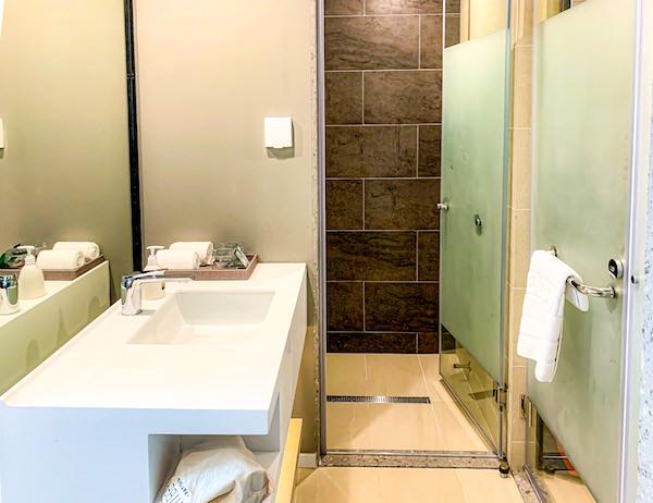 ホテル アンバーパタヤ(Hotel Amber Pattaya)のシャワールーム1