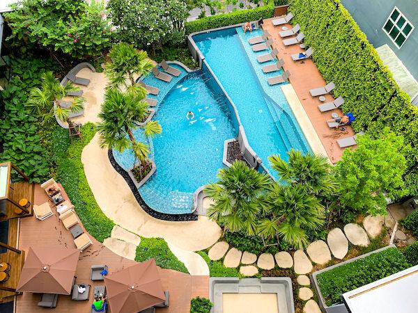 ホテル アンバーパタヤ(Hotel Amber Pattaya)のプール1