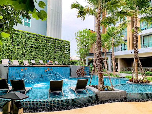 ホテル アンバーパタヤ(Hotel Amber Pattaya)のプール2