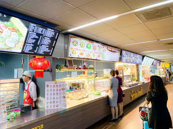 ドンムアン空港4階にある24時間営業のフードコート
