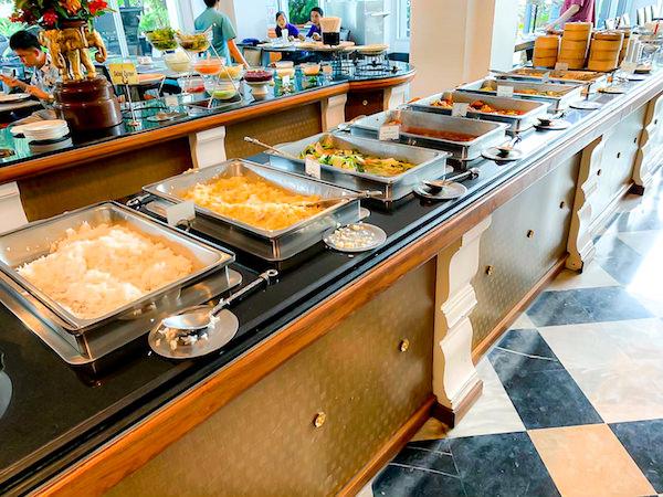 クルンシリ リバー ホテル(Krungsri River Hotel)の朝食ビュッフェ