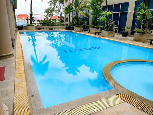 クルンシリ リバー ホテル(Krungsri River Hotel)のプール