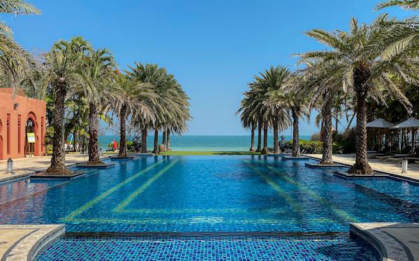 マラケシュホアヒン リゾート アンド スパ(Marrakesh Hua Hin Resort and Spa)のインフィニティプール2