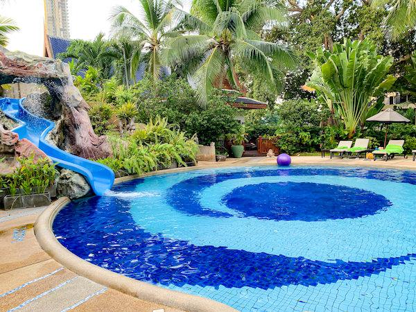 サイアムベイショアリゾートパタヤ(Siam Bayshore Resort Pattaya)の子供用プールスライダー
