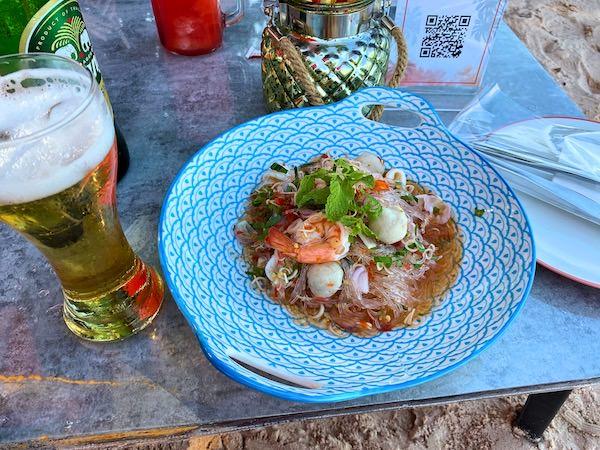 ゼットビーチ(Z beach)で食べたタイ料理