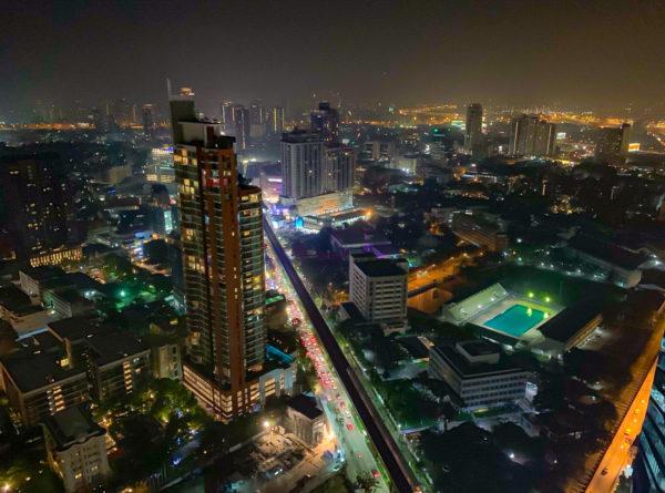 バンコク マリオットホテル スクンビット(Bangkok Marriott Hotel Sukhumvit)のオクターブから見える夜景