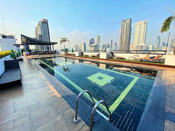 フラマ シーロム バンコク(Furama Silom Hotel Bangkok)のプール