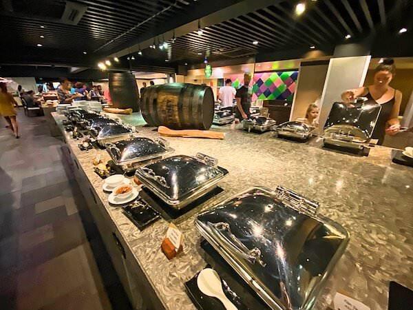 フラマ シーロム バンコク(Furama Silom Hotel Bangkok)の朝食会場1