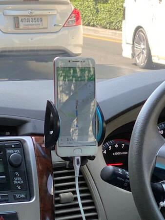配車したグラブ(Grab)タクシーの車内にてドライバーが使っていたGoogleMap