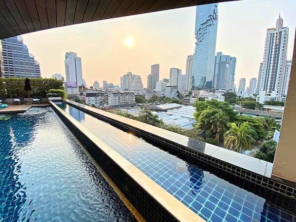 プルマン バンコク ホテル G(Pullman Bangkok Hotel G)のプールから見える景色