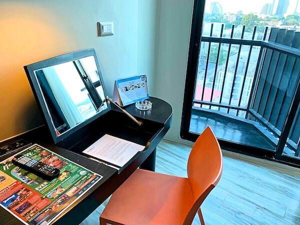 サイアム アット サイアム デザイン ホテル パタヤ(Siam @ Siam Design Hotel Pattaya)のバルコニー