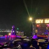 サイアム アット サイアム デザイン ホテル パタヤ(Siam @ Siam Design Hotel Pattaya)の屋上プール(夜)
