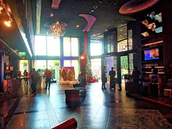 サイアム アット サイアム デザイン ホテル パタヤ(Siam @ Siam Design Hotel Pattaya)のレセプションロビー2