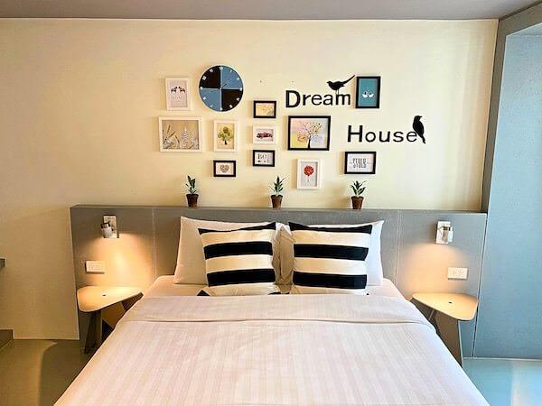 シーロム ステュディオス(Silom Studios)客室のベッド
