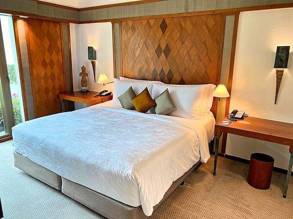 ザ スコータイ バンコク(The Sukhothai Bangkok)の客室ベッド