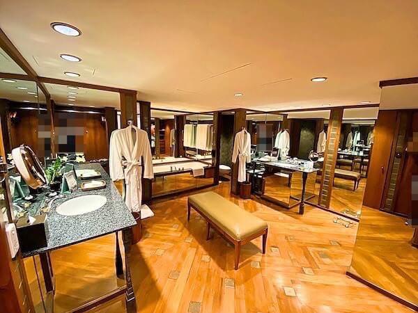 ザ スコータイ バンコク(The Sukhothai Bangkok)の客室バスルーム