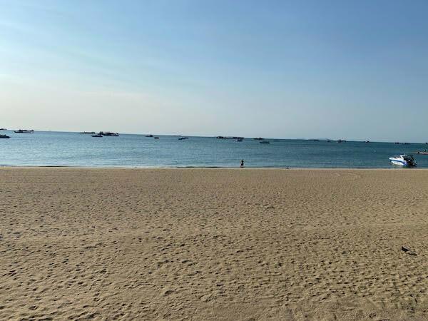 非常事態宣言下にあるパタヤビーチ