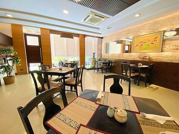 KV マンション(KV Mansion)1階のレストラン