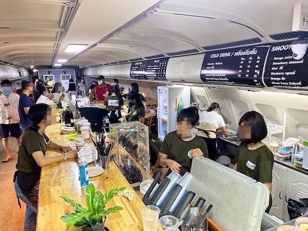 Coffee War @ 331 Stationのカフェカウンター