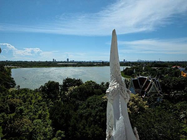 ブッダガヤのレブリカ仏塔の最上階から見える景色