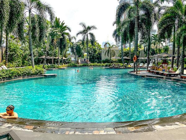 コンラッド バンコク(Conrad Bangkok)のプール2