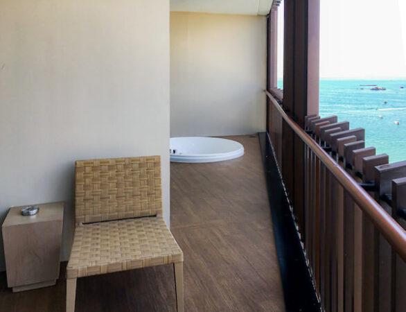 ヒルトン パタヤ (Hilton Pattaya)のバルコニー2