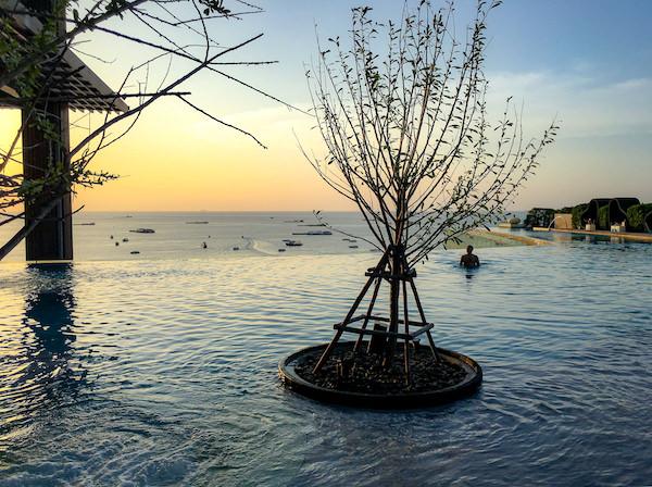 ヒルトン パタヤ (Hilton Pattaya)のインフィニティプール3