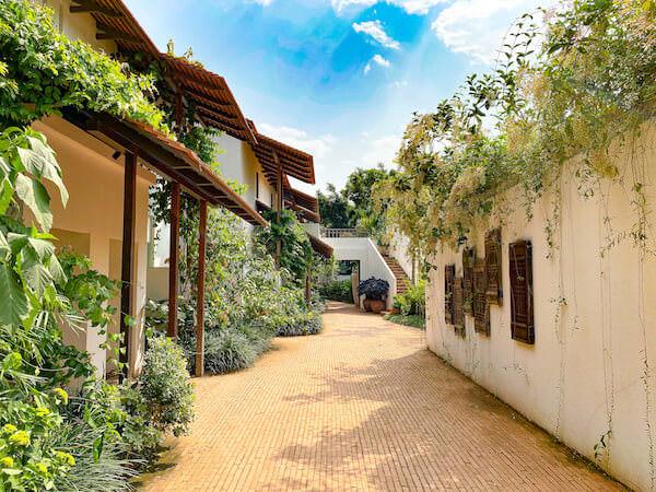 ラヤヘリテージ チェンマイ(Raya Heritage Chiangmai)のホテル内通路
