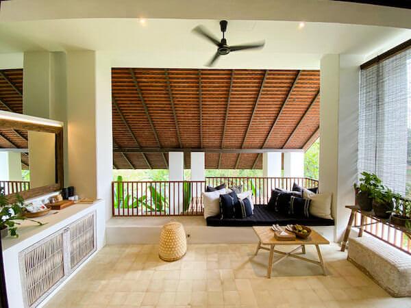 ラヤヘリテージ チェンマイ(Raya Heritage Chiangmai)の客室バルコニー