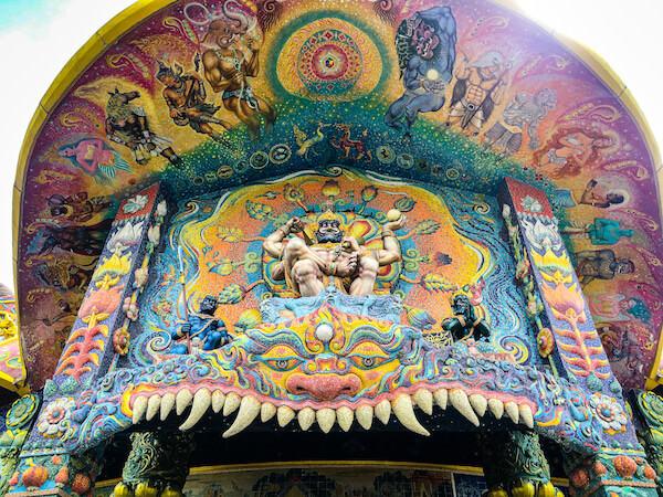 ワット・バーンライ(Wat Ban Rai)にある象のお堂4