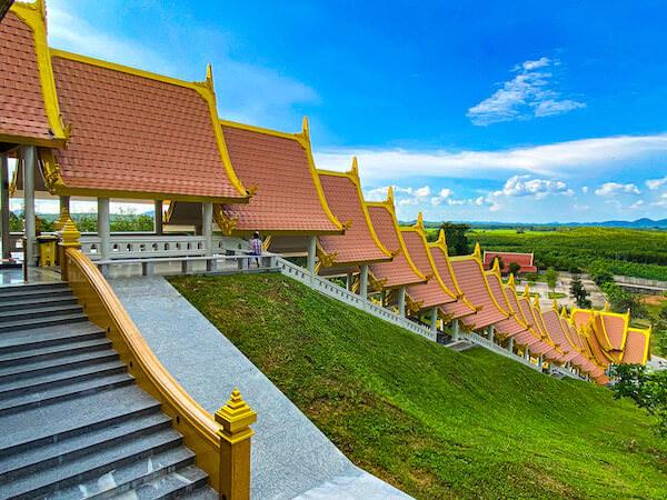 ワット・ブーンヤワッド(Wat Boonyawad)のチェディ2