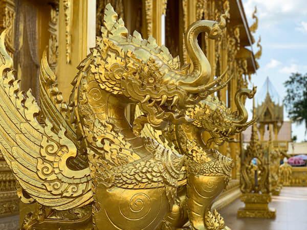 ワット・パークナーム・ジョーロー(Wat Pak Nam Cholo)のナーガ