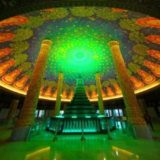 妖艶に輝くワットパクナム大仏塔5階に安置されている仏舎利塔