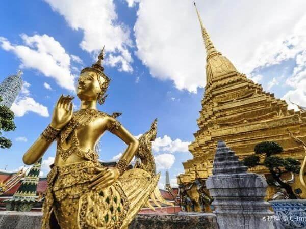 ワット・プラケオ(Wat Phra Kaew)のキンナリー像