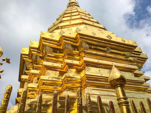 ドイステープ寺院の仏塔2