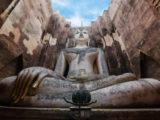ワット・シー・チュム(Wat Sri Chum)の仏像