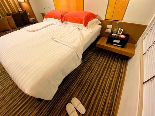 デュシット D2 ホテル(Dusit D2 Chiang Mai Hotel)客室ベッドルームのベッド