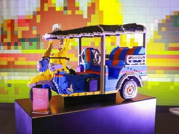 マハナコンタワーの免税店「キングパワーマハナコン」で売られているレゴブロック