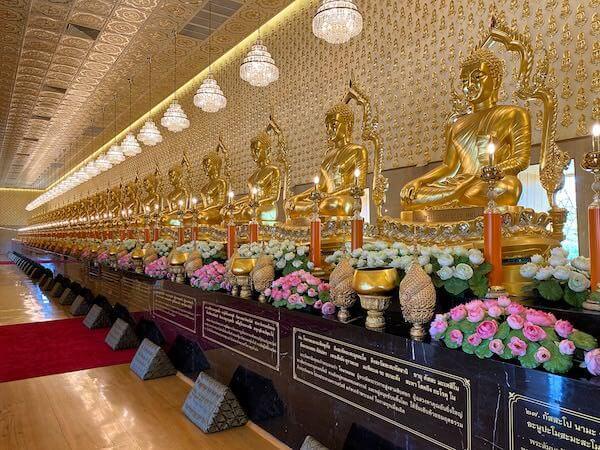 ムアンボーランのThe Great Hall of Vajradhammaにある28体の仏像
