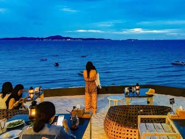スカイギャラリー(The Sky Gallery Pattaya)から見える海