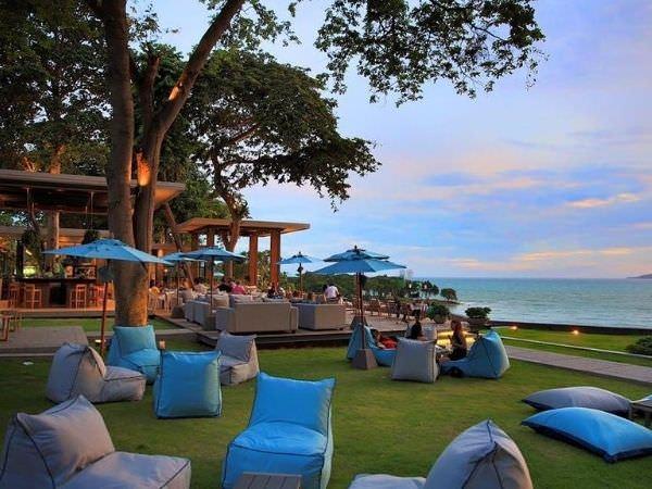 スカイギャラリー(The Sky Gallery Pattaya)のソファー席