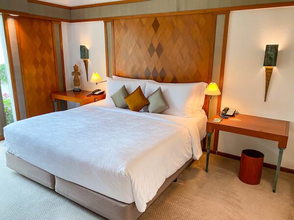 ザ スコータイ バンコク(The Sukhothai Bangkok)客室のベッド