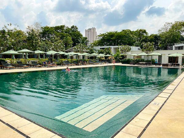 ザ スコータイ バンコク(The Sukhothai Bangkok)のプール1