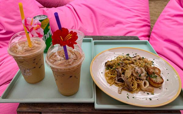 チュチュビーチ(Tutu Beach)で食べたパスタとコーヒー