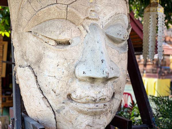 ワットジェットリンの仏像