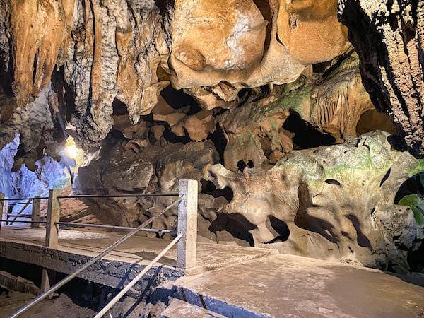 チェンダオ洞窟の内部1